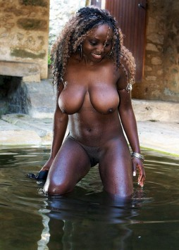 Curvy african cutie with big tits..