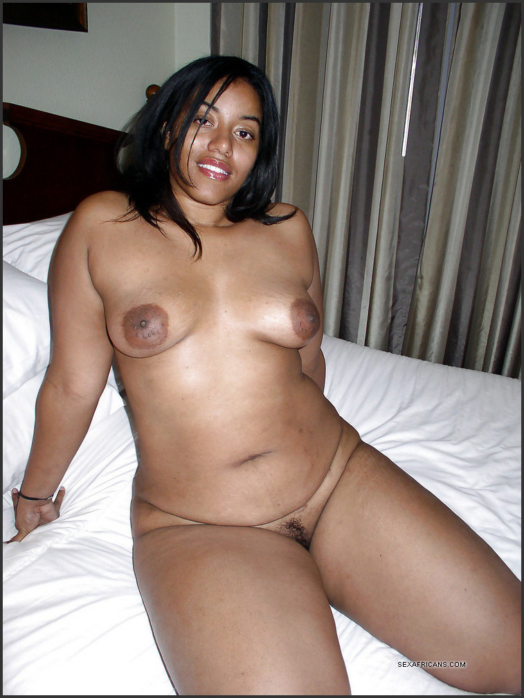 Nude ebony wife
