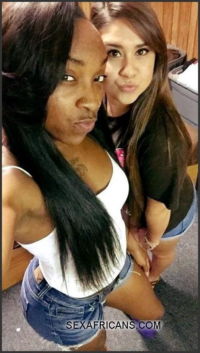 Ebony girls in nylons